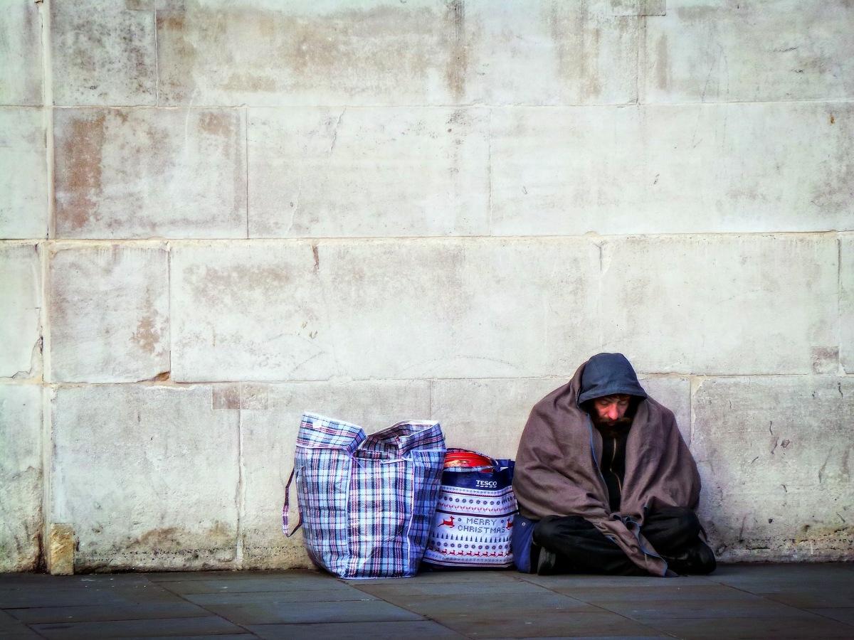 Ile muzułmanin musi oddać biedym? Jałmużna w islamie