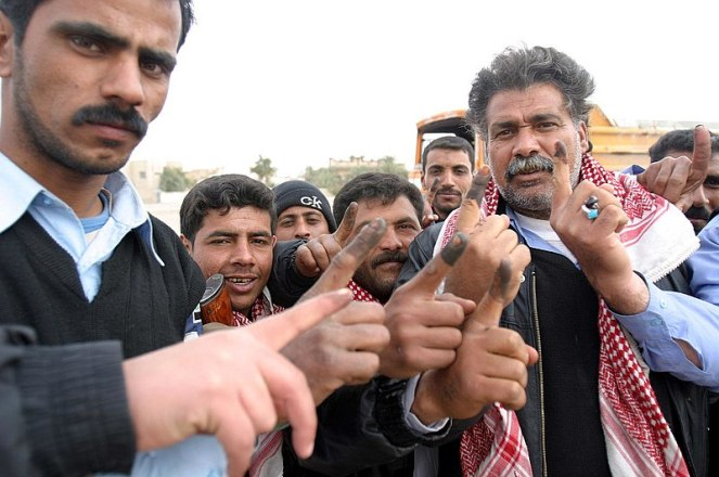 800px-Iraqi_voters_inked_fingers